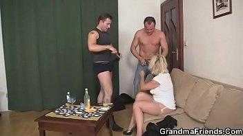 masterbates woman mature He licks her arsehole