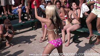 drink bikini girl loads 2fx7i hr 2016