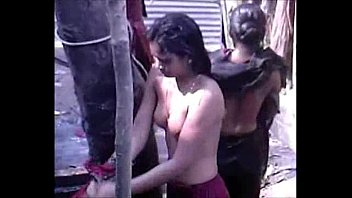 pak girl bathing Old skinny mom