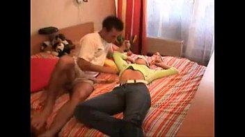sex thigh with sleeping girl Algo grande y grueso en mi chocha