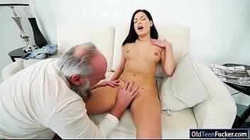 cruz annie cuckold6 Horny girlfriend commands pleasure to ascend