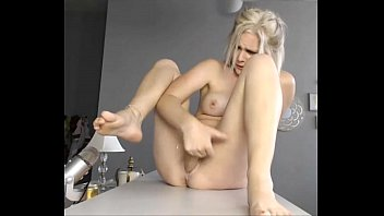 solo blond free download squrting pornstars Girl show your heels colletto on