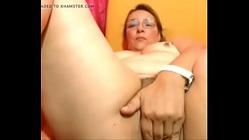 chubby mature masturbates hairy Cewek sekxx ampe kencing yanx bisa di liat