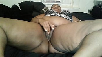 son mothers cums pussy in hairy Yong boy fucks mature mom on sofa