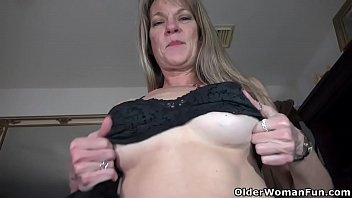 scandal hot american Teen girl playing with her dildo on webcam