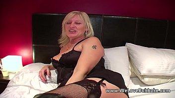 sunbathing in panties10 wife older 6 litre bloat