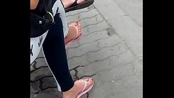 fliops toes flip Lesbian masturbation in front