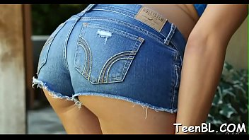 cheries joanna sissy the sweet on stairs right spreading Gostosa calca jeans socado