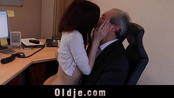 force sex bhavhi old boss indian 3gp xxx karina kapur videocom