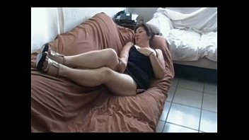 leon soney red sofa xxx on Indian aunty z tv