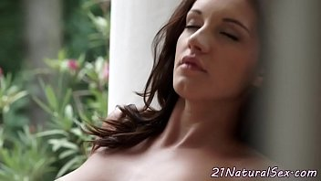 fingering in wet the seductive outdoor Toucbing in buss
