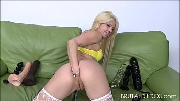 chubby puts her ass it in blonde big Little girl get parent
