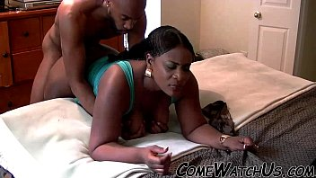 negro muy el hombre con grende cojiendo pene Wife treated and slapped like a whore