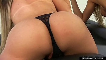 en pillada julia calle la Brunnete milf small tits makeup mature