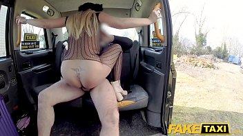 treesomes cab taxi Australian couple fuck on webcam