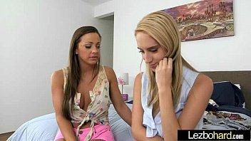 by trib cum lesbian love Mariana en el hotel del df