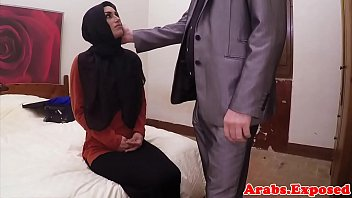 el anteel hijab gharbia Toothpaste on cock