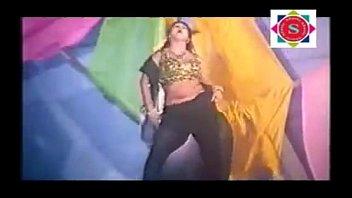 3gp bangla sanu hot song actor Frau fickt auf bauernhof und bauer schaut heimlich zu